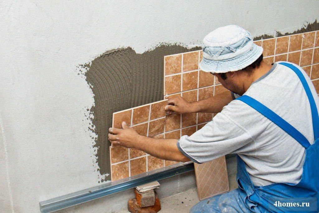 Как клеить плитку своими руками на стену
