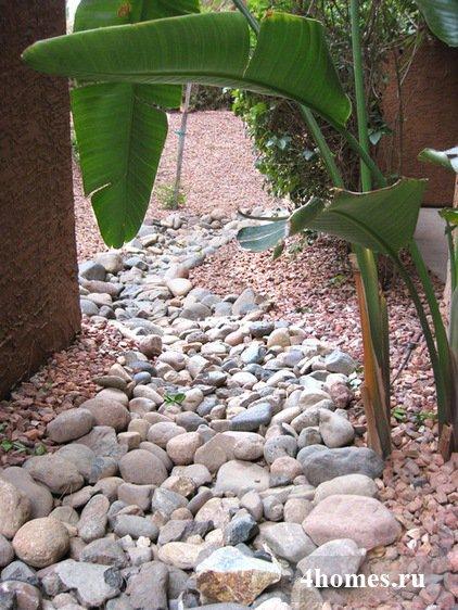 Сухой ручей: декоративный и практичный элемент ландшафтного дизайна